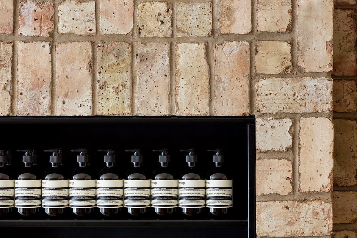 aesop-bucktown-reclaimed-bricks-design-3