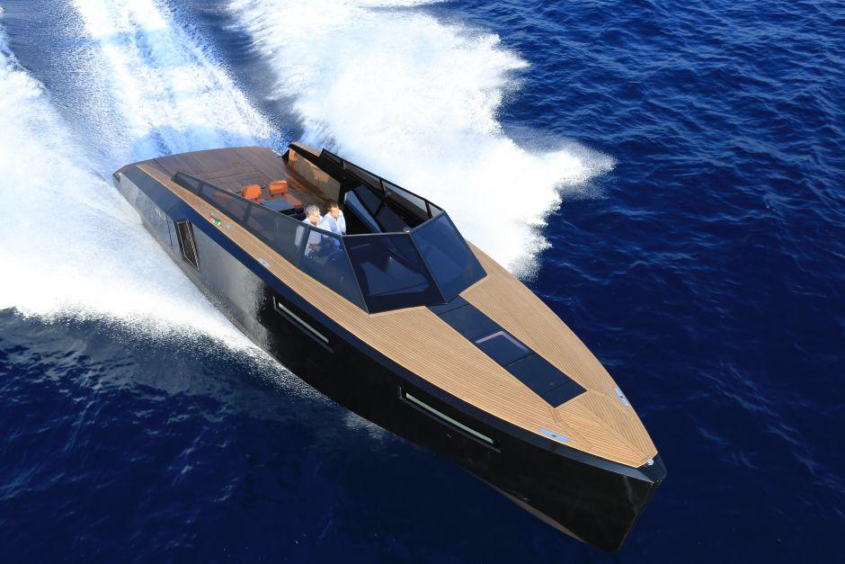Evo 43 Yacht
