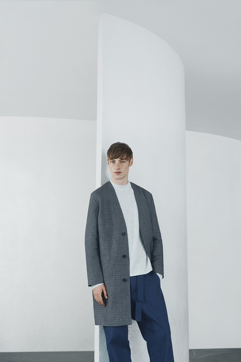 cos-agnes-martin-guggenheim-fw2016-lookbook-mens-womens-2