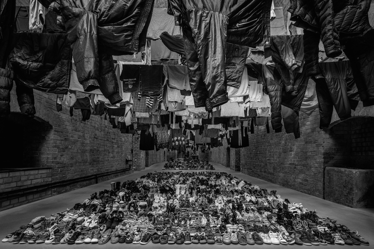 ai-weiwei-laundromat-nyc-deitch-projects-syrian-refugee