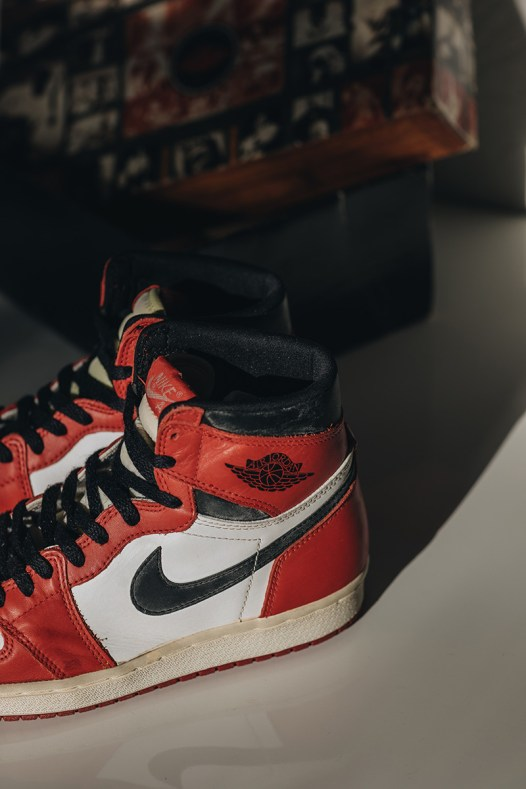 1994-chicago-air-jordan-1-retro-re-release-sneaker-ebay-3
