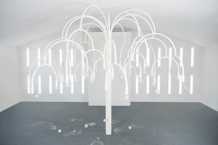 cos-studio-swine-blossoming-installation-art-basel-miami-4