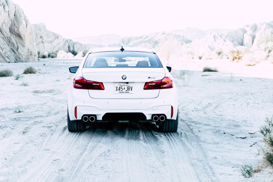 2018-bmw-m5-palm-springs-thermal-ca-review-8