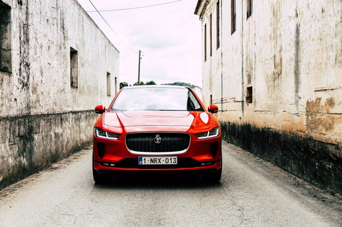 2019-jaguar-i-pace-electric-suv-phev-portugal-2