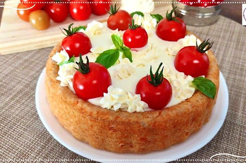 Torta salgada de tomate e requeijão cremoso
