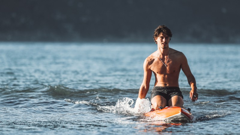 Young Hout Bay resident takes on 27km 'Freedom Paddle' to provide 27 000 meals to those in need.