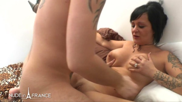 [LaFRANCEaPoil] Margaux Lenoir – Exhib Big Boobed And Tattooed Milf Gina Gets Double Penetrated [720p]