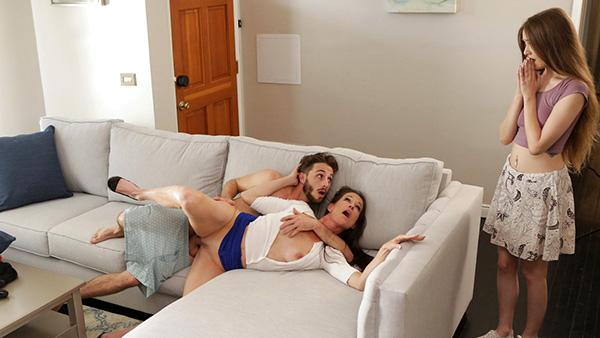 [MomsTeachSex – Nubiles] Samantha Hayes and Sofie Marie – Teaching The Exchange Student [1080p]