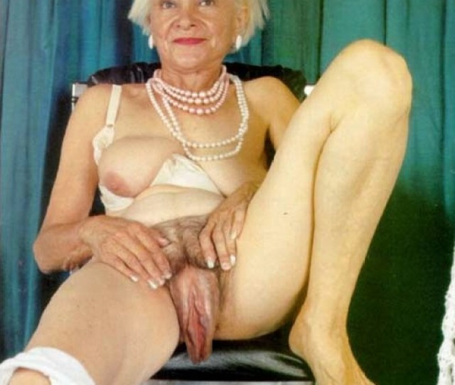 Naked Grandma With Very Long Sagging Pussy Lips