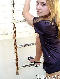 pantyhose upskirt ladder