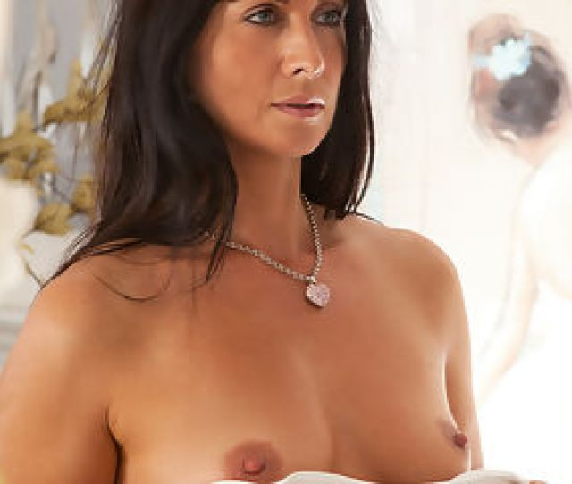 Anilos Com Lelanitizzie Delicate Housewife Spreads Her Wet Pink Pussy For The Camera