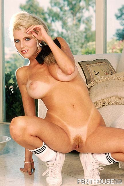 Amy Lynn Baxter posing nude for the June 1990 issue of Penthouse