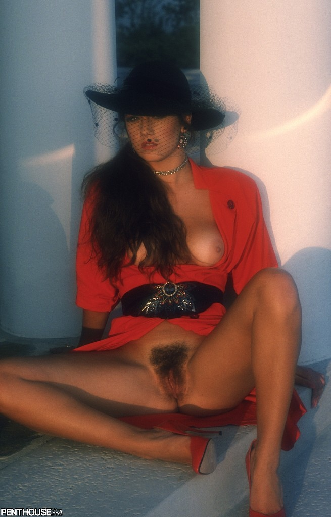 Lisa Davies posing nude for the June 1988 issue of Penthouse