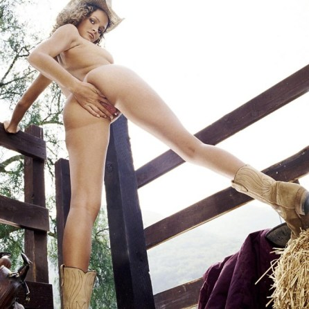 Prinzzess nude in her October 2004 Penthouse Pet Of The Month photo spread 009