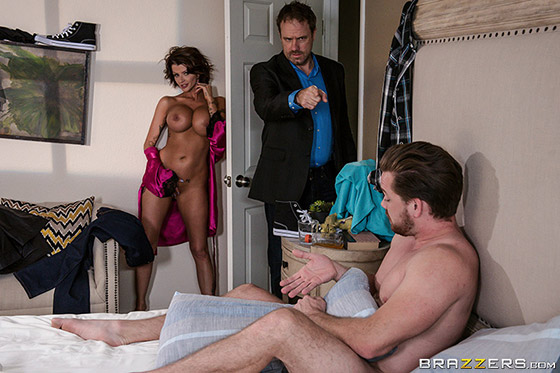 Late Riser Gets Laid with Joslyn James