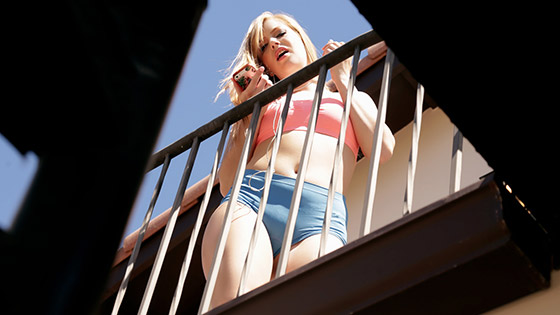 Window Watcher Gets His Wish with Dolly Leigh
