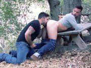 Pausa na trilha pra meter com o meu namorado.