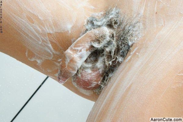 Fotos de novinho lindo tomando banho caiu na net