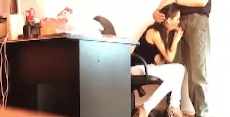 video relacionado Esta chica esta en busca de trabajo y es follada