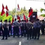 Pelantikan Anggota DPRD Maluku Utara Diwarnai Aksi Unjuk Rasa Mahasiswa