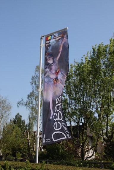 """drapeau de l'exposition """"Degas, un peintre impressionniste ?"""" - avril 2015 à Giverny"""
