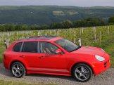 Red Porsche Cayenne S Titanium 2006 1600x1200 wallpaper Side view
