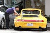 Yellow Porsche 911 (993) Orlando Bloom_02