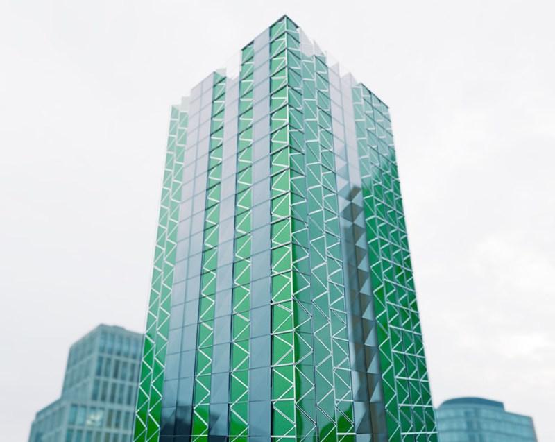 , Jóven creó paneles solares que producen energía, oxígeno y  además purifican el aire