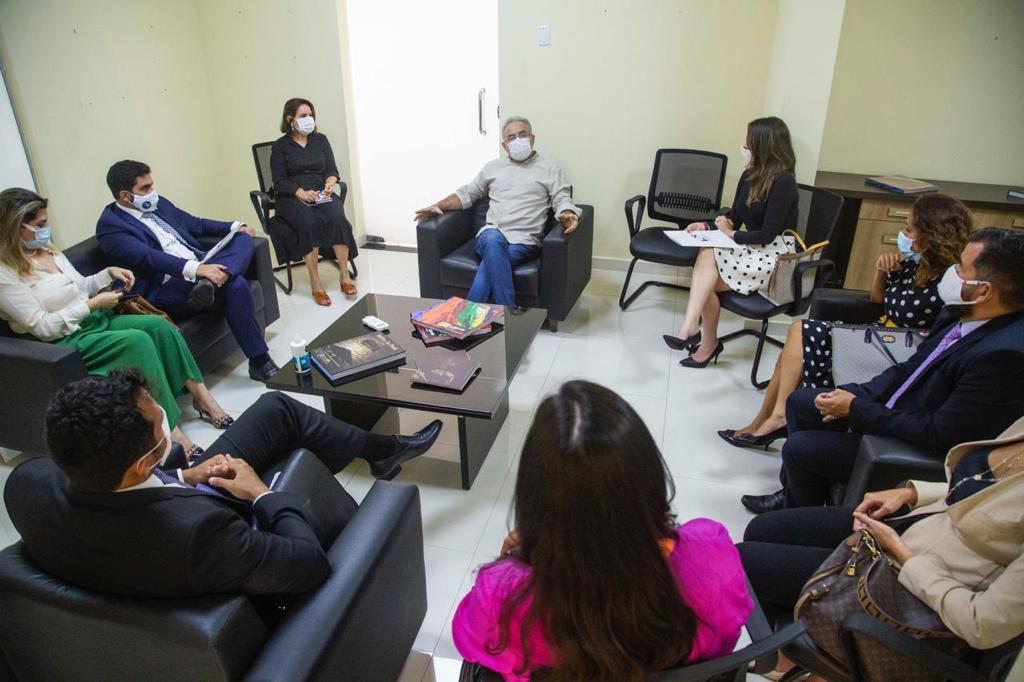 ADPEP e Defensoria Pública se reúnem com o prefeito Edmilson Rodrigues