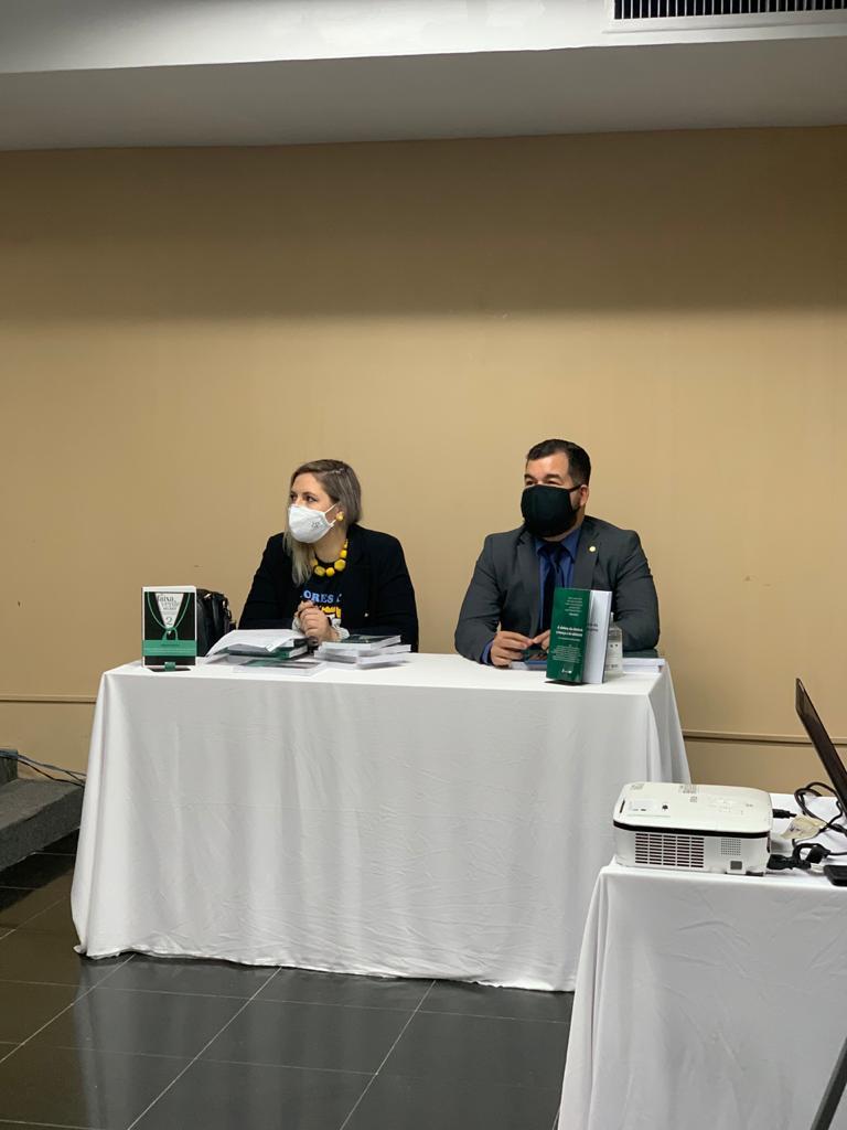 ADPEP promove lançamento dos livros de co-autoria da Defensora Pública Graziela Caponi e do Defensor Público Carlos Eduardo Barros