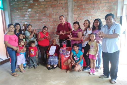 Retrato de familia. Ludosmila Martínez tiene 13 hijos, 56 nietos, 30 bisnietos y 10 tataranietos.