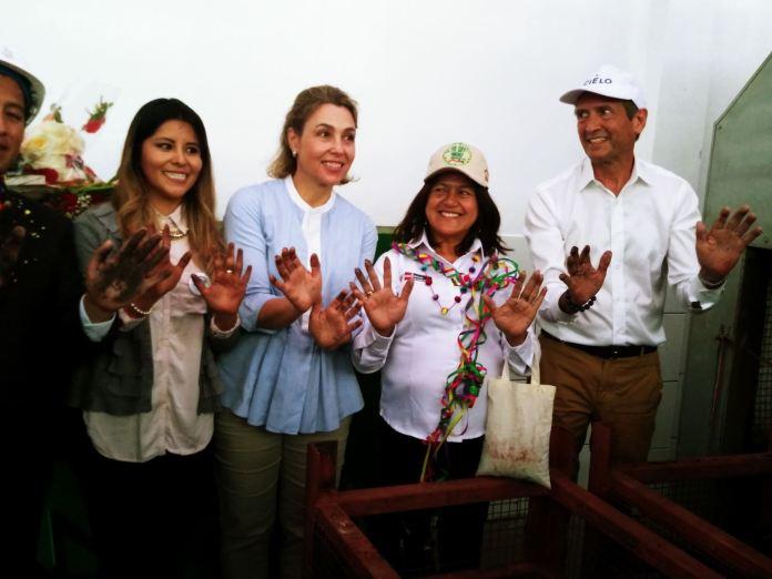 Viceministra del Ambiente, Albina Ruíz, junto a otras autoridades y representantes de empresas privadas, inauguro hoy la Planta de Valorización de Residuos Orgánicos en el distrito de Machu Picchu Pueblo, que se convierte en la localidad 100% sostenible del Perú y America Latina. Foto: Luis Zuta Dávila