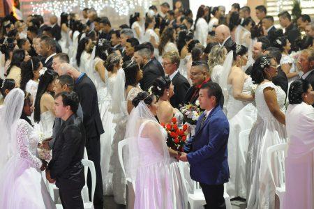 Confira o clipe do Casamento Coletivo realizado pela Prefa!