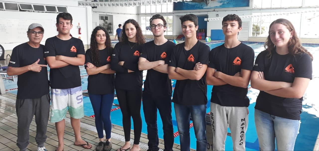 Atletas de Brusque vão nadar competição no Uruguai