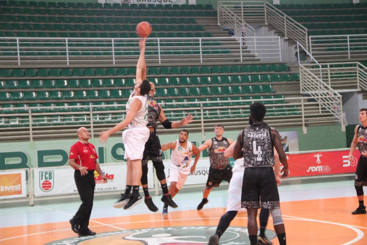 Brusque Basquete/FME volta a ser superado pelo Grande Florianópolis Basket e fica fora do final four do Campeonato Catarinense