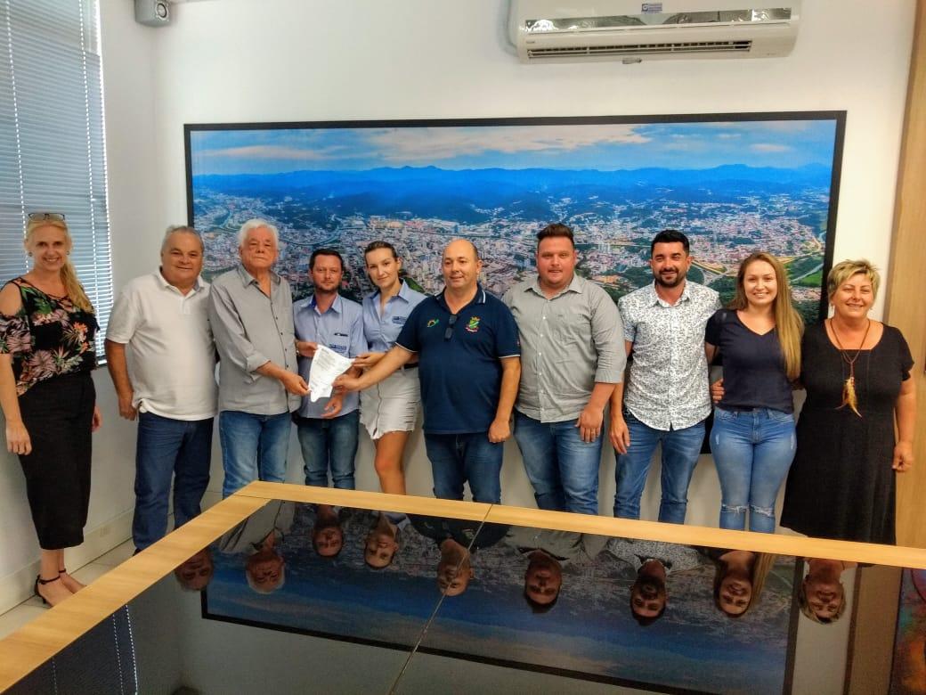 Prefeitura inicia construção de quadra Poliesportiva no Zantão