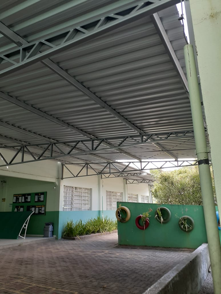 Escola Isaura Gouveia Gevaerd ganha cobertura para o pátio