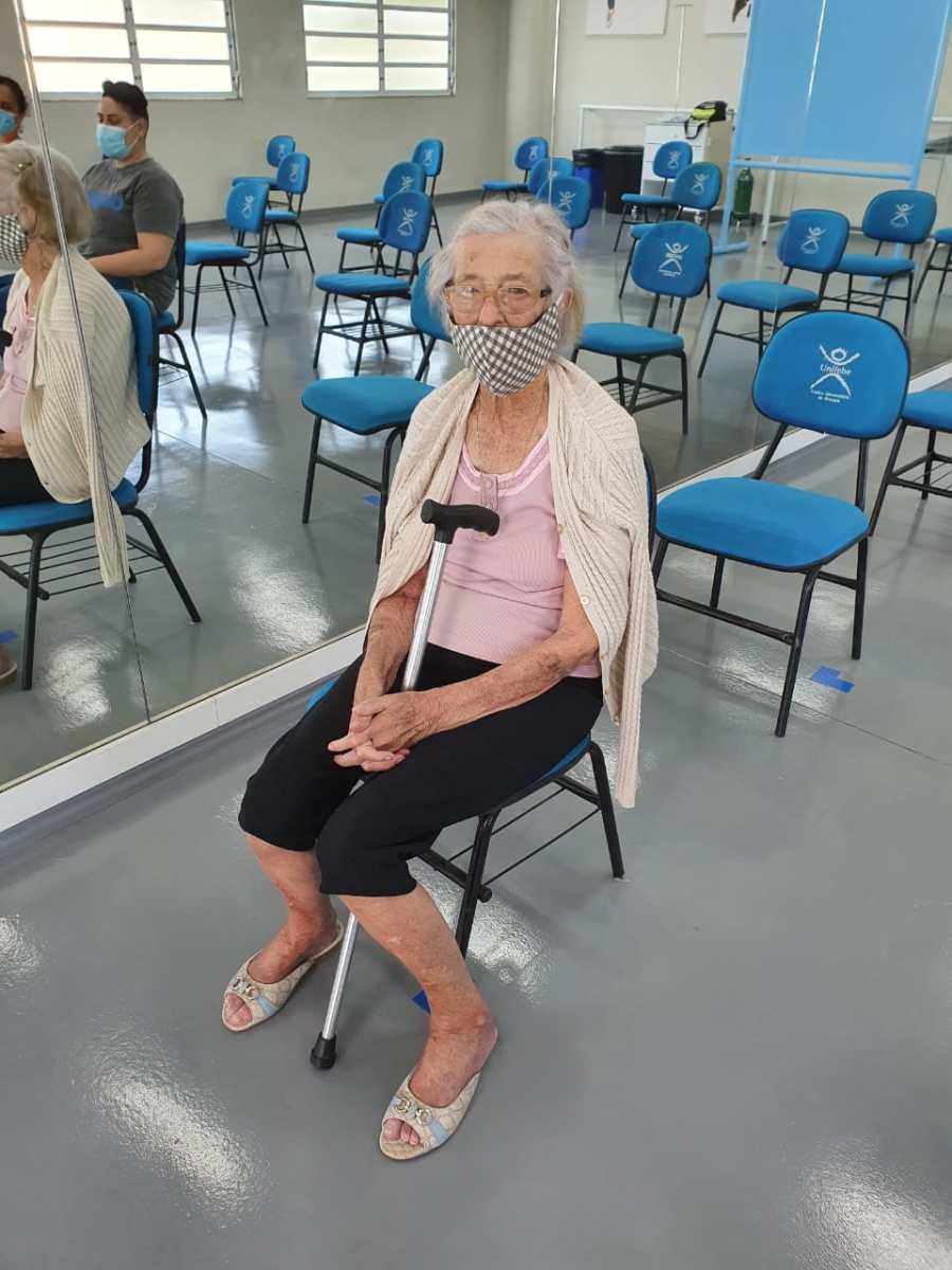 Vacinação de idosos iniciou nesta quarta-feira (10) em Brusque
