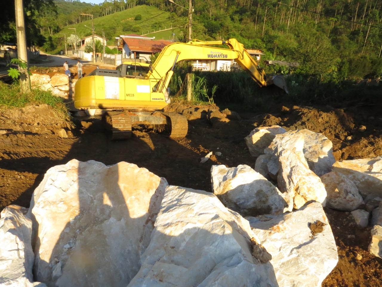 Confira as atividades da patrola e limpeza de valas da Secretaria de Obras