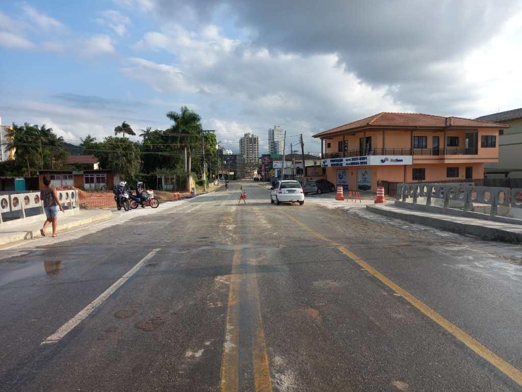 Ponte Mário Olinger, a Ponte dos Bombeiros, será interditada para obras de asfaltamento na cabeceira