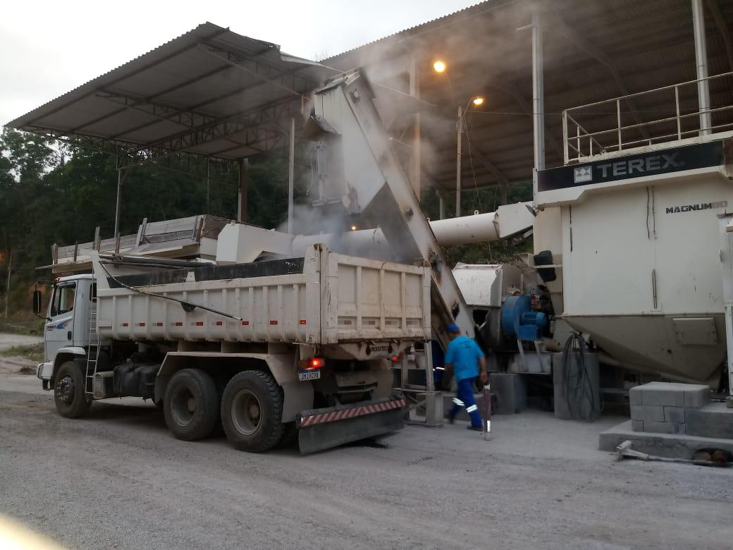 Secretaria de Obras realiza operação tapa-buraco em seis ruas