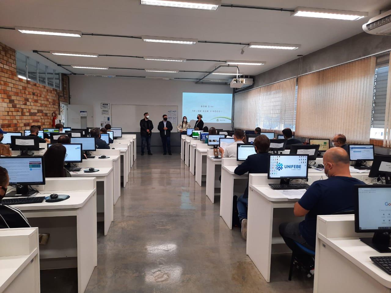 Prefeitura de Brusque promove curso sobre procedimentos de licitação e compra direta