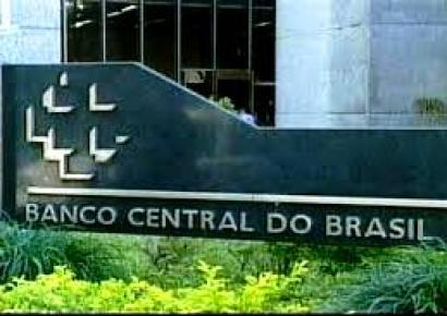 DECISÃO: Mantida sentença que anulou multa aplicada pelo Bacen a diretor de banco por descumprimento do dever de cautela para operar em mercado de câmbio