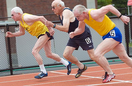 Resultado de imagem para idosa atleta