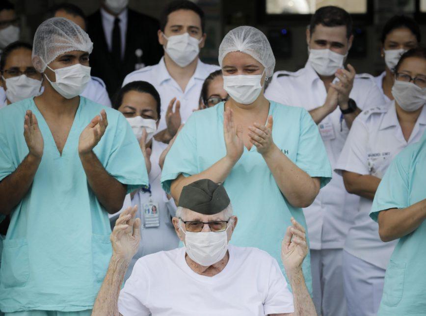 Covid-19: Brasil registra 1.883.677 casos de pessoas curadas