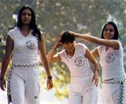 Portal Capoeira Exemplo da Mulher-Capoeira! Capoeira Mulheres