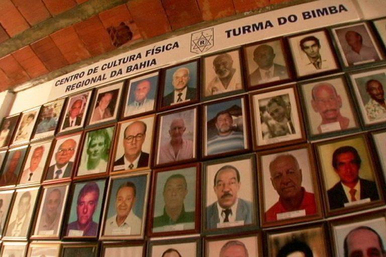 Portal Capoeira Ingressos para o Filme: Mestre Bimba, A Capoeira Iluminada à Venda também na Internet Mestre Bimba A Capoeira Iluminada O Filme