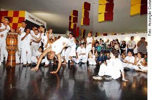 Portal Capoeira Portadores de síndrome de Down participam de grupo de capoeira Capoeira sem Fronteiras