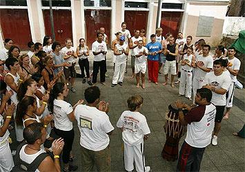 Portal Capoeira Bahia: Criança também pode entrar na roda Notícias - Atualidades