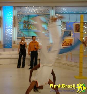 Portal Capoeira Capoeiristas de Piracicaba conquistaram o recorde de Maior Salto Mortal de Costas Notícias - Atualidades